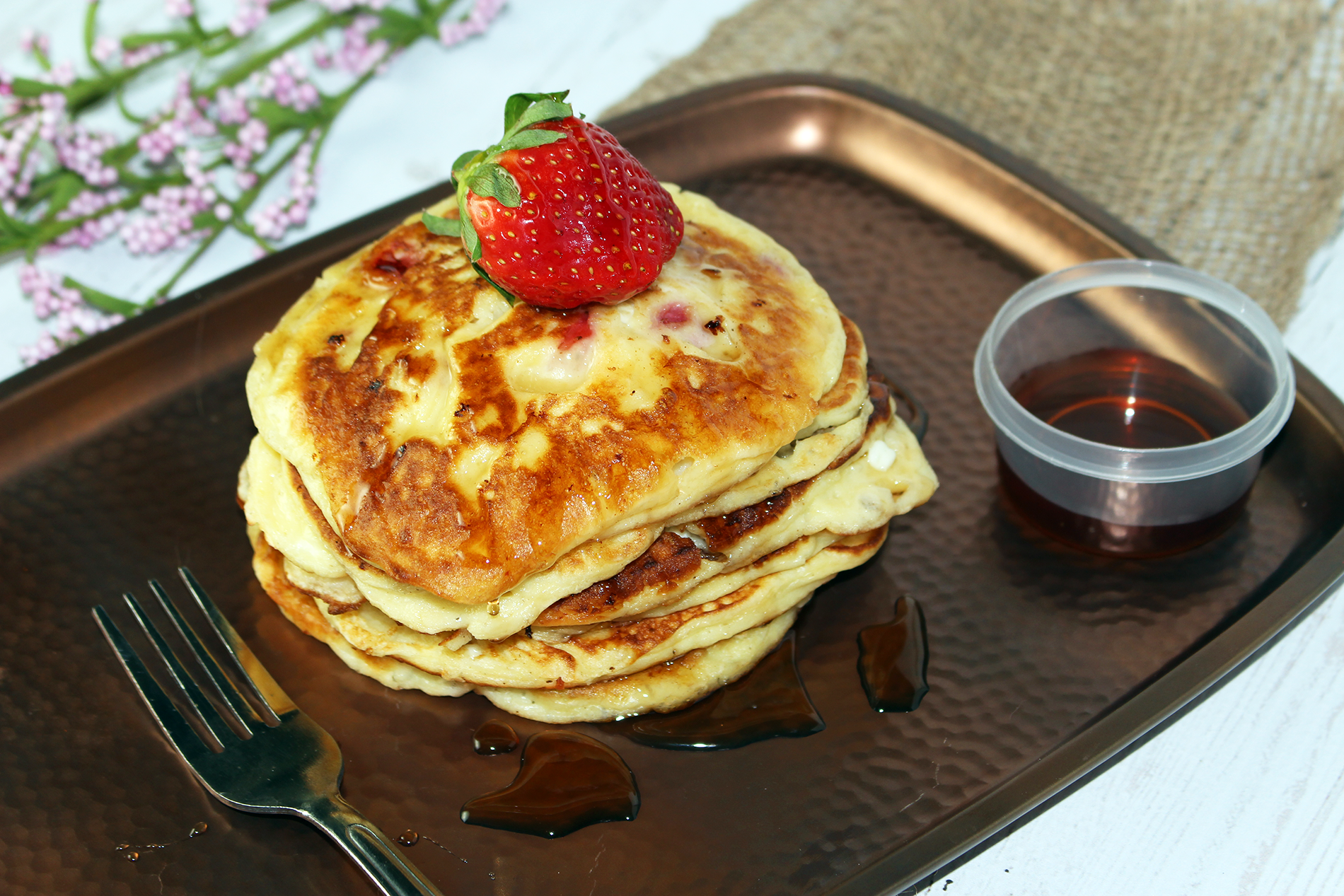 Kids in the Kitchen: Strawberry Cottage Cheese Pancakes Recipe #BornOnTheFarm