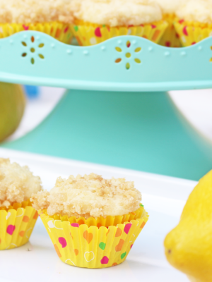 Mini Lemon Iced Tea Streusel Muffins