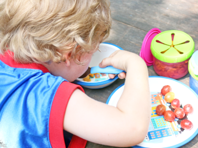 Make Mealtime and Snack Time Easier With PlaytexBaby™ Mealtime Sets and Playtex® Flip Top Snackers #PlaytexMoms #ForBetterBeginnings