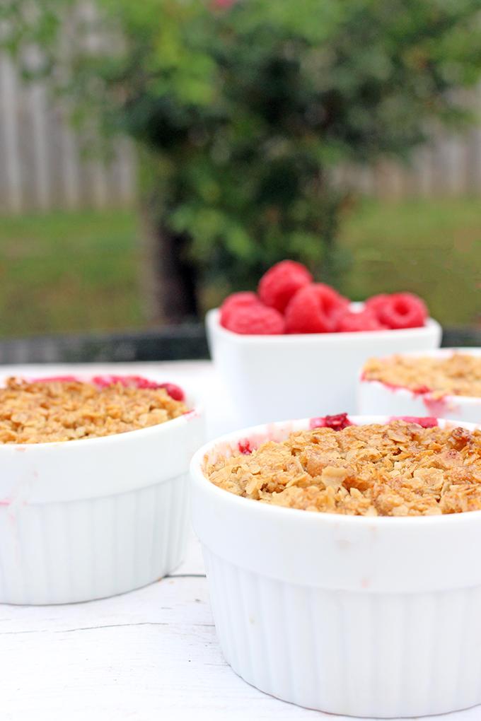 Individual Raspberry Crisp - A light and fruity summer treat. Great dessert for dinner parties!