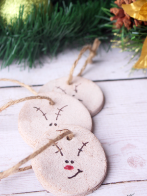 Cute and Easy DIY Cinnamon Salt Dough Reindeer Ornaments